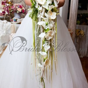 109 Cascading bridal bouquet
