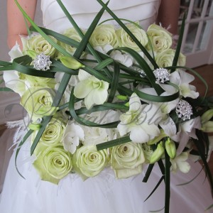 111 Modern bridal bouquet