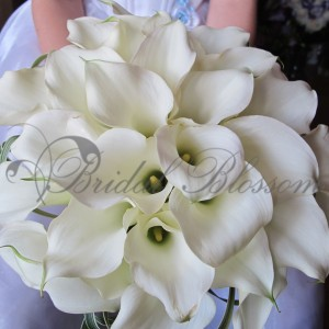 116 White calla bouquet
