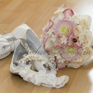 130 Romantic bridal bouquet