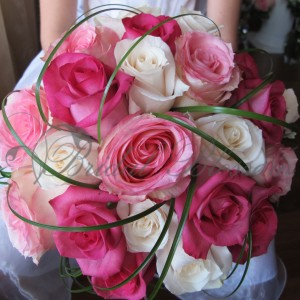 143 Pink and white roses