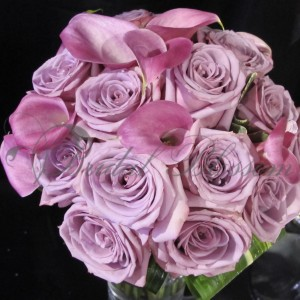 158 Purple roses and calla