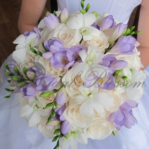160 Dreamy bridal bouquet